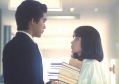 1983年「時をかける少女」、病院内で深町と会うも気づかない和子