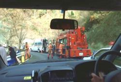 警察と消防の物々しい出動