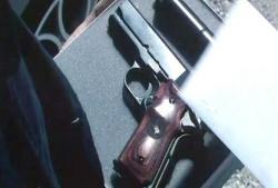 拳銃と手紙