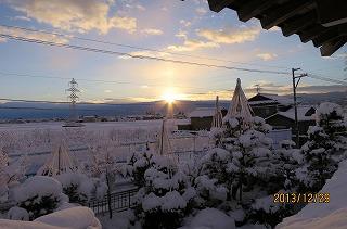 雪の翌日日の出