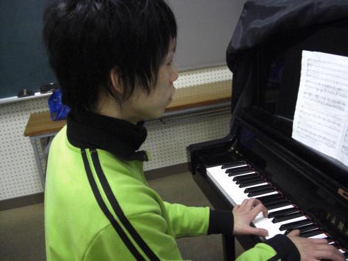 孤高のピアニスト
