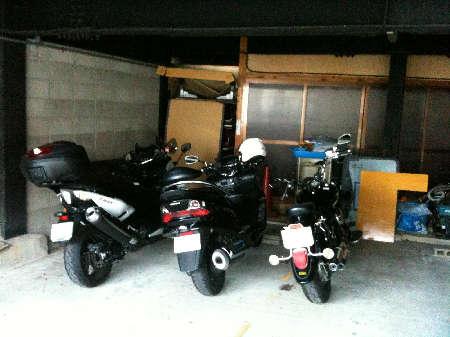 馬籠バイク置き場