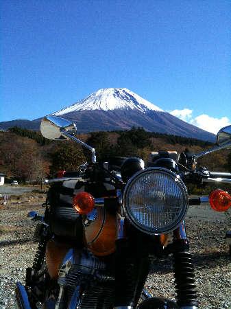 W8と富士山