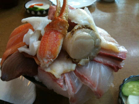 魚兵海鮮丼