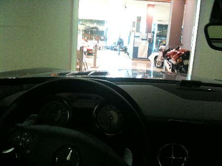 SLS車内