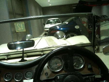 モーガン車内