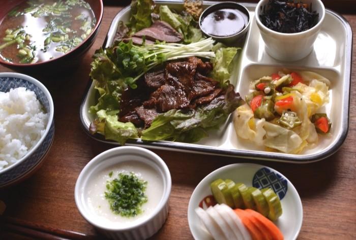 ローストビーフカルビ定食