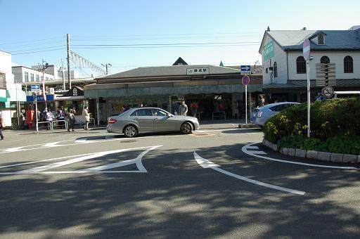 111210-09kamakura station01