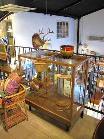 木製パンケース ガラスショーケース 木味ナチュラル 店舗什器 ショップディスプレイ