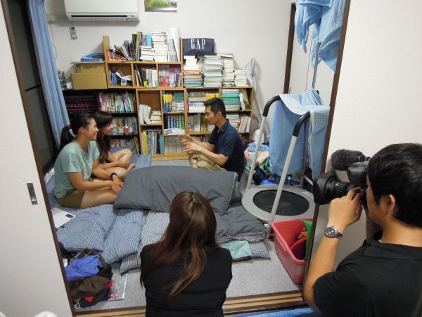 カウチサーフィン(香港、アンジェラとメイ)、撮影風景8