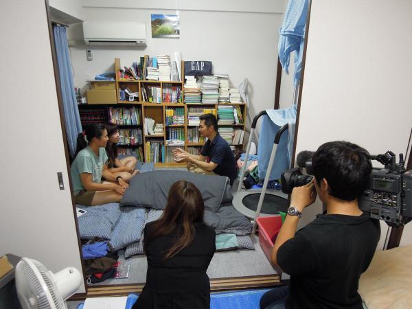 カウチサーフィン(香港、アンジェラとメイ)、撮影風景9