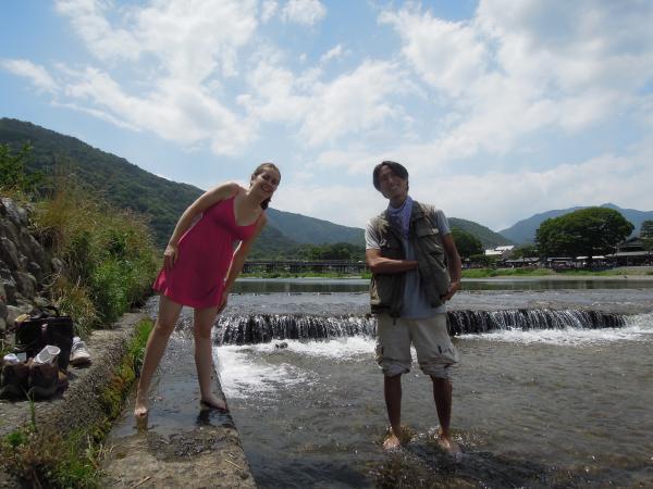 カウチサーフィン(アメリカ、エイミーとダレル)、桂川