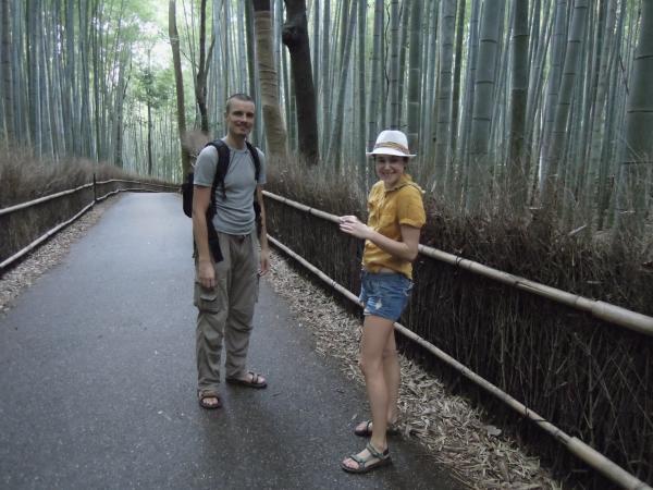カウチサーフィン(チェコ共和国、ミハエル(スロバキア)、ルカ(ルーマニア))、嵐山の竹林