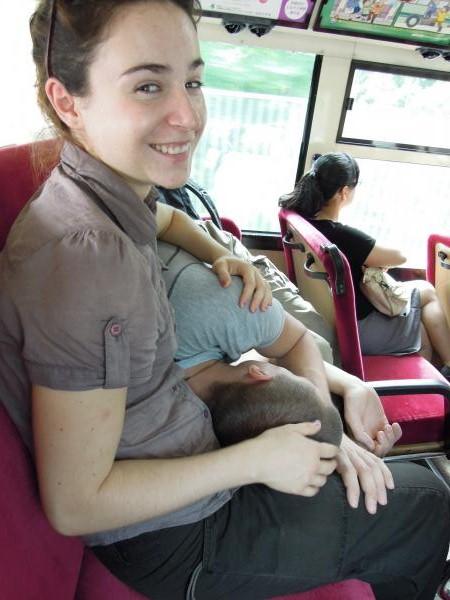 カウチサーフィン(チェコ共和国、ラル(ルーマニア)、ミハエル(スロバキア))、バスの中
