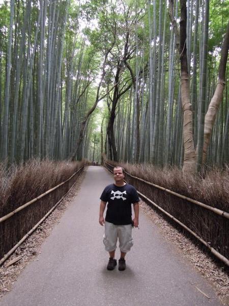 カウチサーフィン(アメリカ、ブラッド)、嵐山の竹林にて。