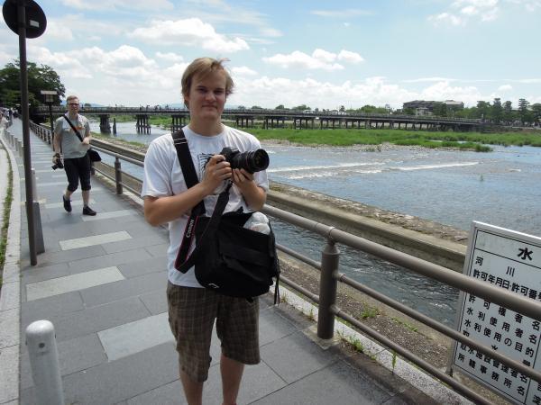カウチサーフィン(フィンランド、ヴィレ)、渡月橋にて。