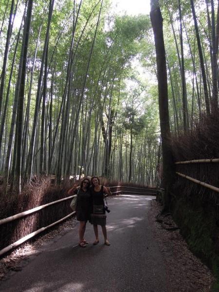 カウチサーフィン(スペイン)、マリアとソレ。嵐山の竹林にて
