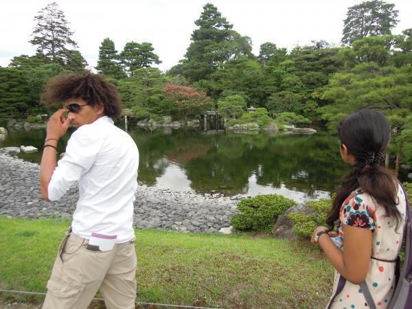 京都御所の外人達(カリビアンとインド人)