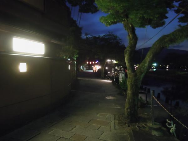 嵐山・桂川の鵜飼いのボート乗り場