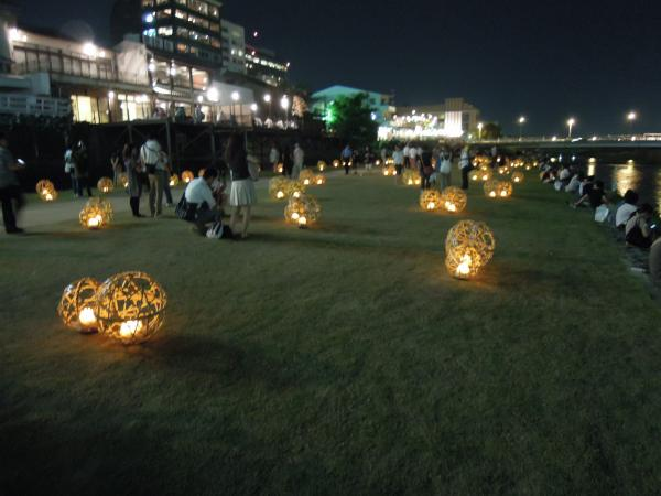 京の七夕・鴨川会場、光のオブジェ