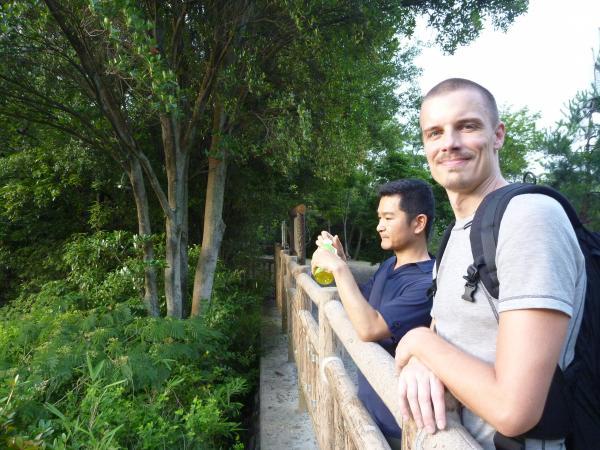 カウチサーフィン(チェコ共和国、ミハエル(スロバキア)と私)、展望台にて