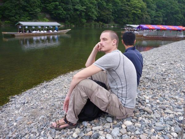 カウチサーフィン(チェコ共和国、ミハエル(スロバキア))、桂川にて