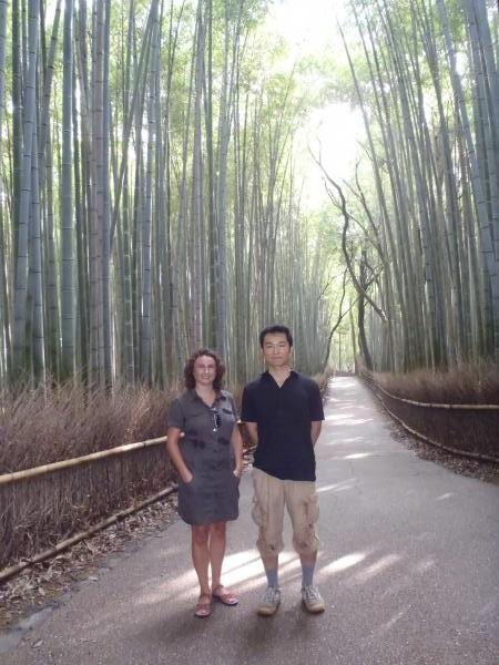 カウチサーフィン(スペイン)、ソレと私。嵐山の竹林にて