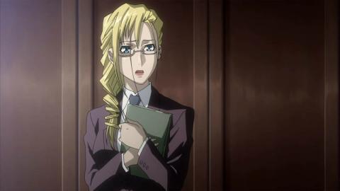 秘書さん金髪眼鏡、Yesだね!
