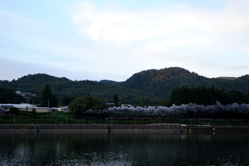 磐越西線 C57180 津川漕艇場