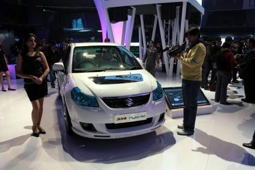 Suzuki-SX4-Hybrid-2.jpg