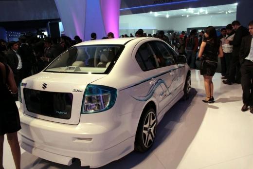 Suzuki-SX4-Hybrid-4.jpg