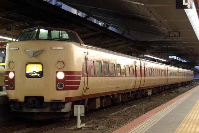 大阪駅停車中の「こうのとり22号」