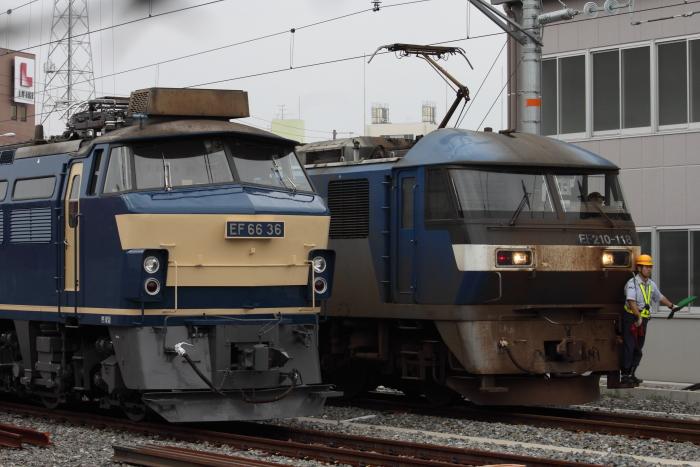 EF66-36とEF210-118の並び