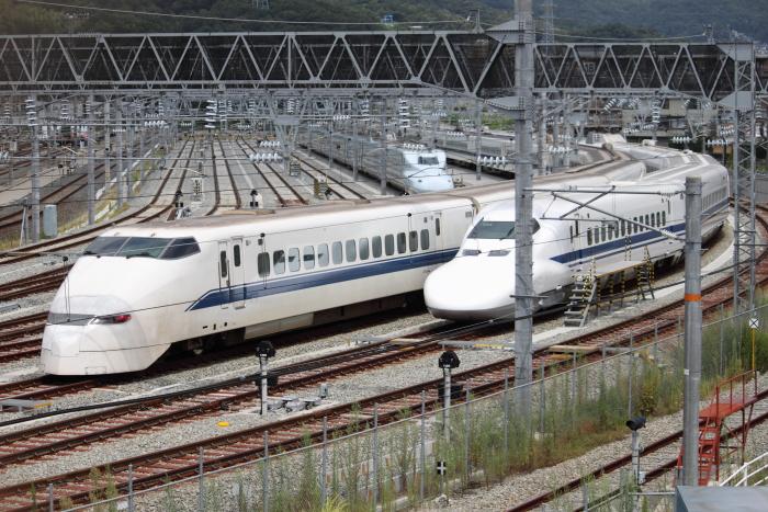 博多総合車両所広島支所で留置されるF6編成