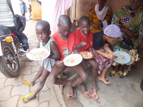 近所の子ども。アタシを食べる