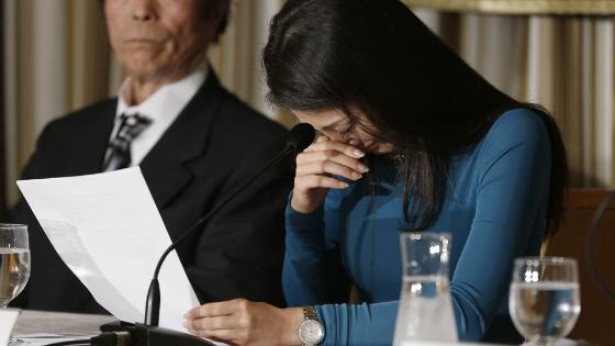ミス・インターナショナル吉松育美さん 特派員協会で「涙の訴え」のワケ