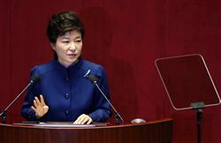 朴槿恵大統領の反日外交と内政の無策が韓国経済を悪化させている(ロイター)
