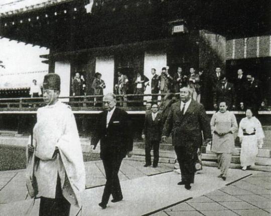 トンガ王国のタウファアハウ・ツポー4世国王とマタアホ王妃