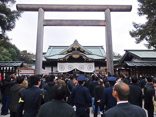 安倍首相が靖国神社を参拝!就任後初・2回目の総理大臣就任から1年目の12月26日