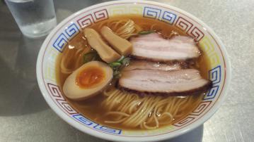 煮干鰮らーめん 圓 町田店 (4)
