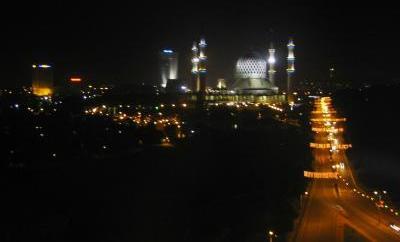 マレーシアKLナショナルモスク夜
