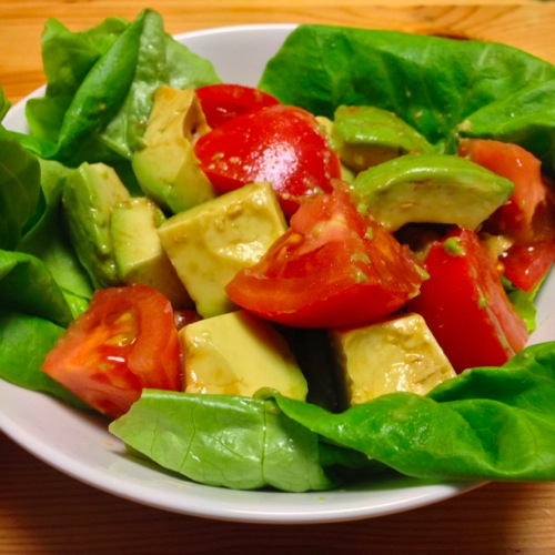 2アボカドトマトサラダ