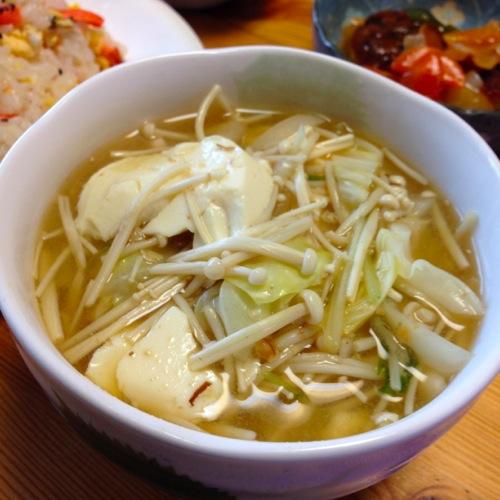 2シメジ・豆腐・キャベツの味噌汁