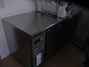 台下冷凍冷蔵庫