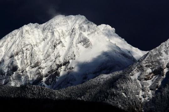 2009.04.27-赤岳冠雪-01