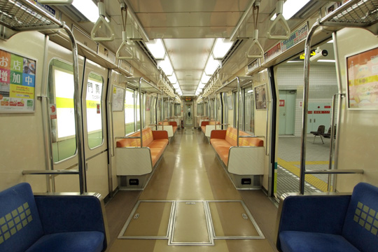 20100704_osaka_subway_70-in02.jpg