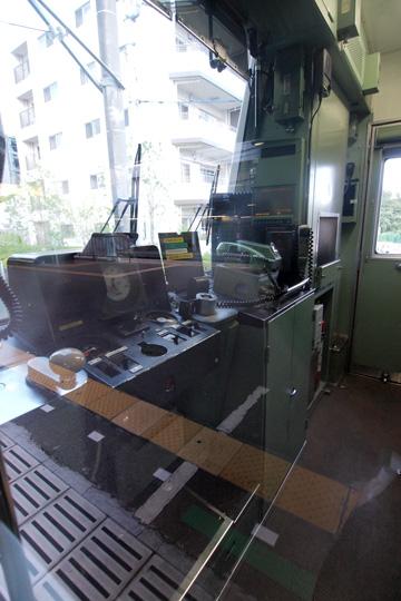 20100918_tokyo_metro_6000-cab01.jpg