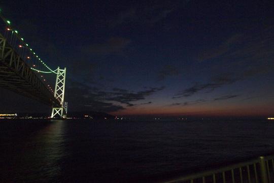 20101120_akashi_kaikyo_Bridge-01.jpg