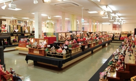 店舗2Fひな人形五月人形