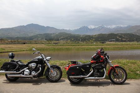 駒ヶ根付近で中央アと2台のバイク